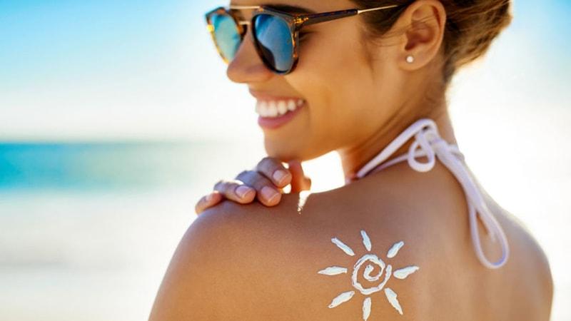 Bật mí bí quyết phòng chống ưng thư da trong mùa du lịch biển